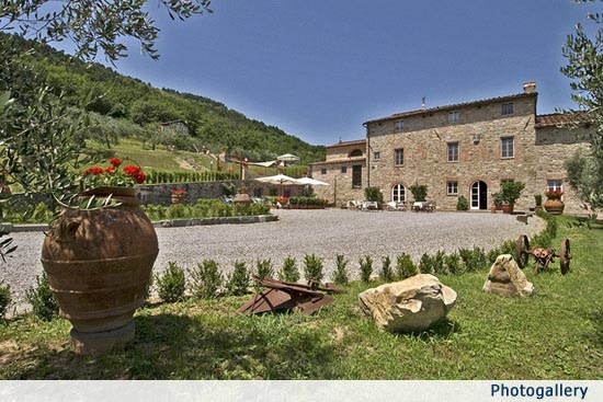 Typical Tuscan Style Wedding Villa near Lucca